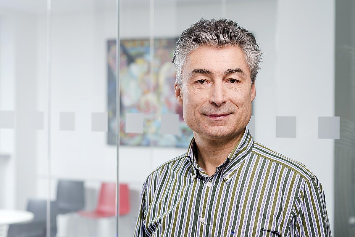 Prof. Dr. Renaldo Faber